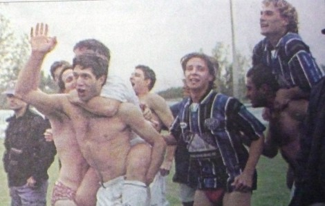 1998-1999-Central-Córdoba-0-Almagro-1-festejos-salvación-470x298